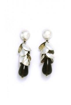 Onix Petal Drop Earrings